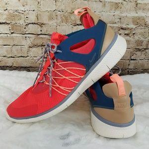 Womens Nike Free Virtuous Size 12